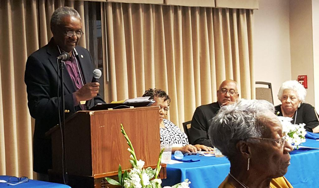 DeRay Cole delivering keynote at Laurinburg Institute's 2017 Alumni Gathering